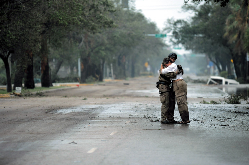 Catástrofes naturales como el huracán Ike ponen en peligro vidas humanas y el tejido económico de diversas zonas del mundo